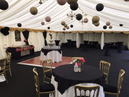 Great use of black and gold, perfect for a 1920's theme party